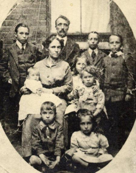 The Jones family in about 1916